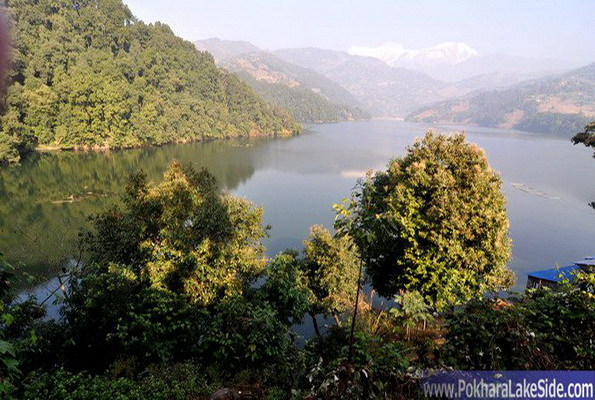 http://d1cnag8e8eksul.cloudfront.net/Photos/Begnas/BegnasLake_Pokhara_Nepal_3.jpg
